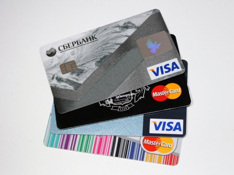クレジットカードのメリットとデメリットまとめ【現金派とクレジットカード派で話し合ってみた】